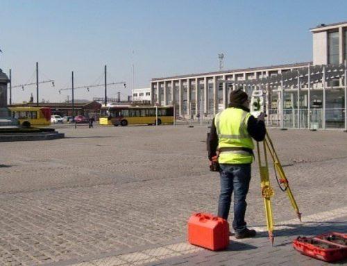 Travaux d'ingénieurs-géomètres et de topographes à la gare de Mons
